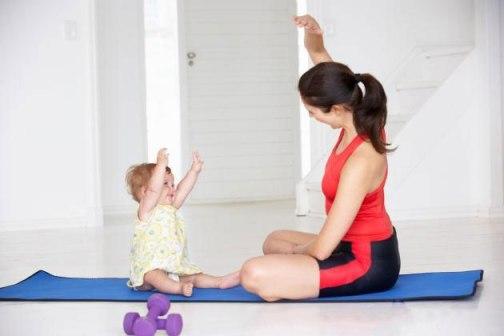 exercícios-em-casa-junto-com-o-bebê